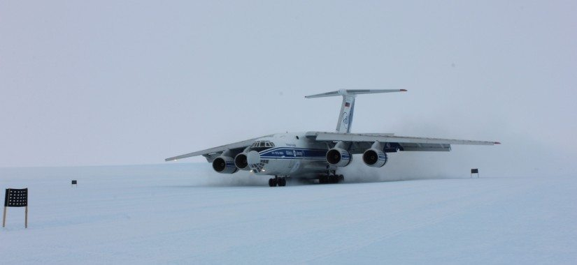 A Volga-Dnepr IL-76TD-90VD lands on ice in Antarctica, thereby opening up a new world territory for the Russian airline