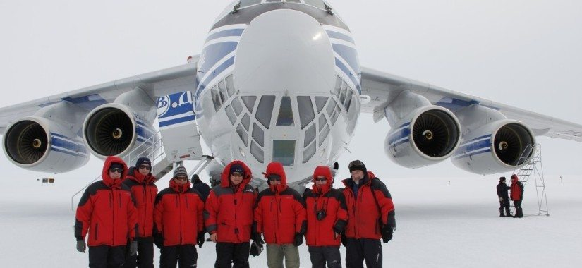 Volga-Dnepr parachutes cargo to Antarctic airfield
